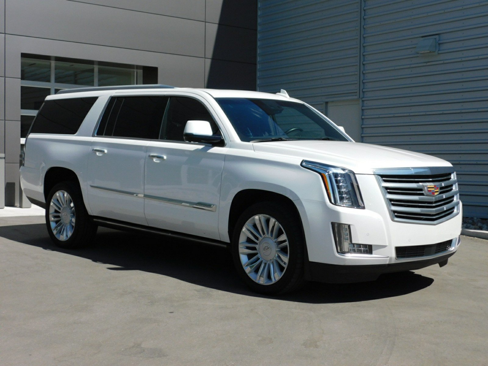 off outmaneuver to navigator h cadillac news offering escalade