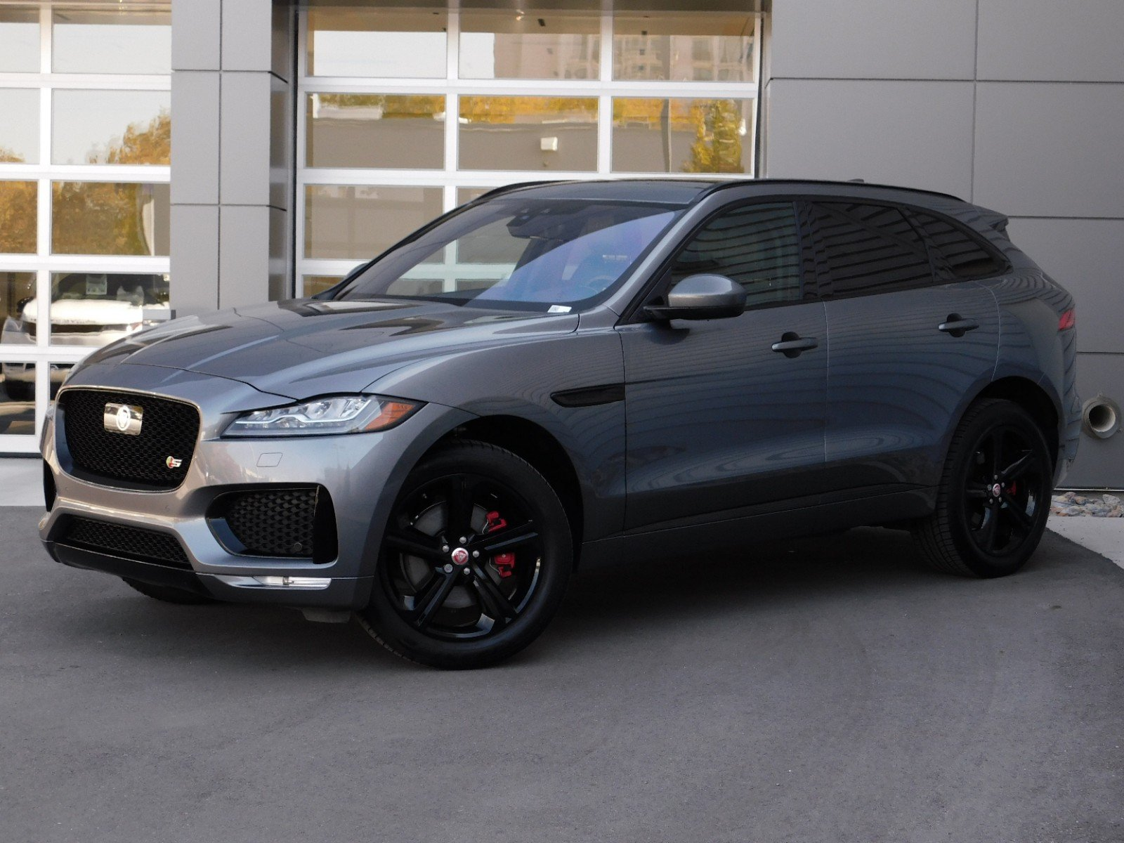 Jaguar Suv F Pace >> New 2019 Jaguar F Pace S With Navigation Awd