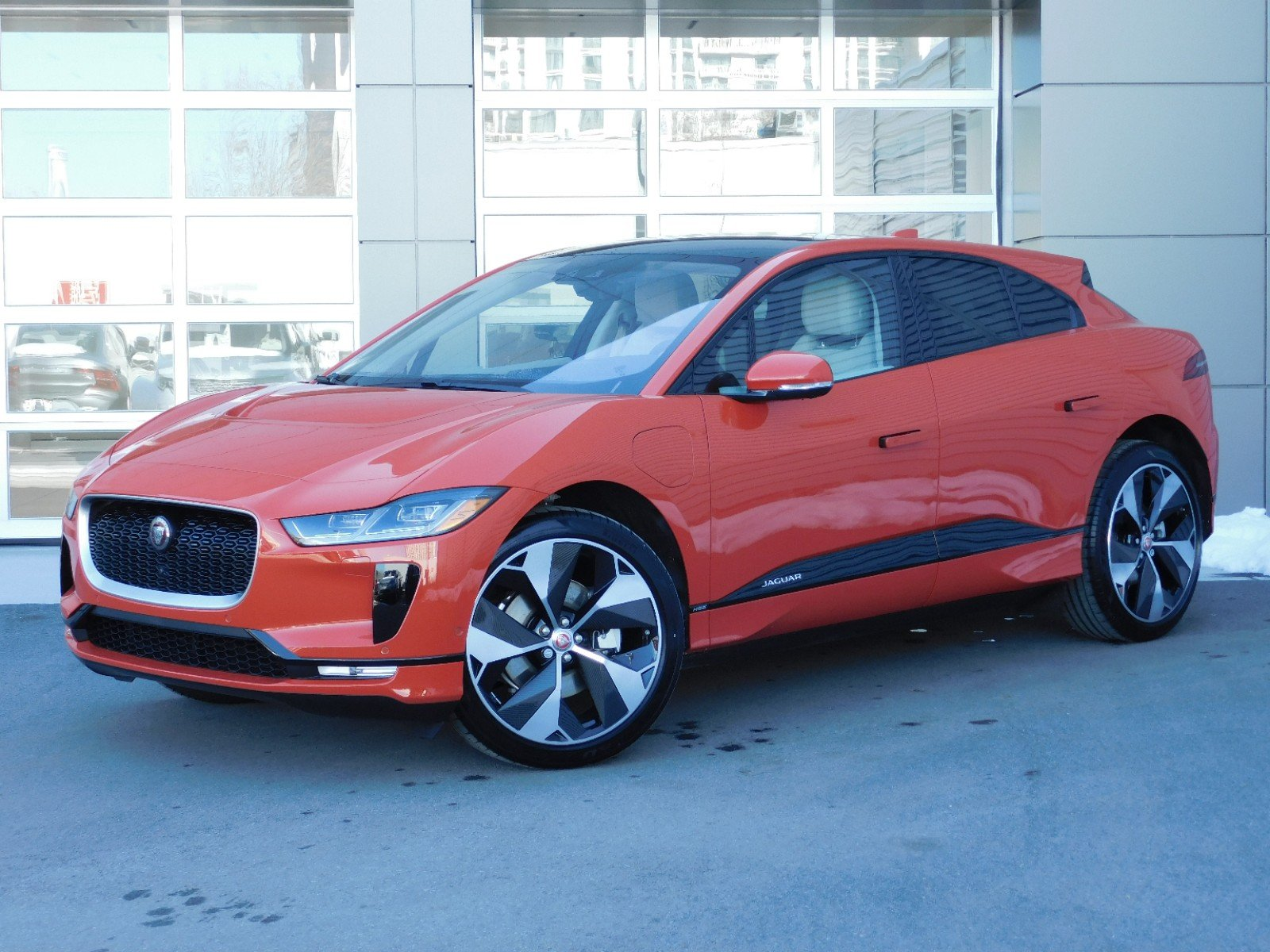 New 2019 Jaguar I-PACE WAGON 4 DOOR