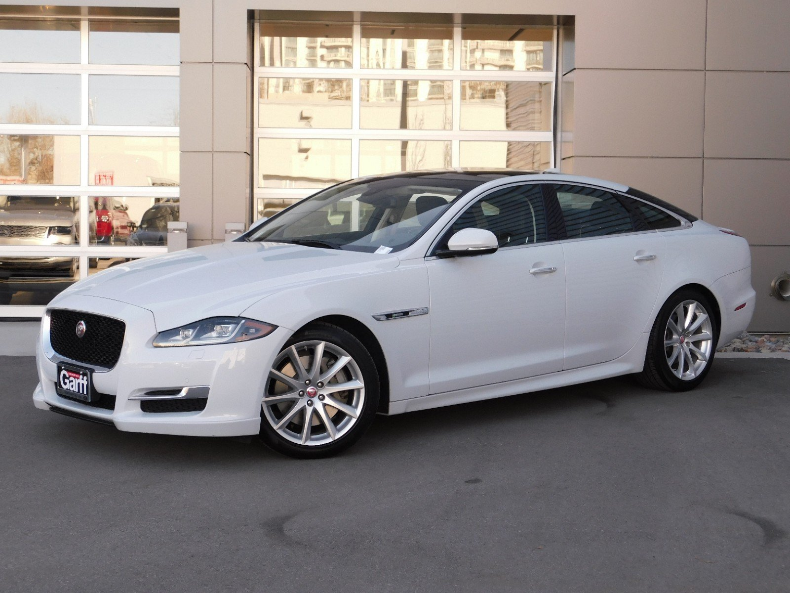 Certified Pre-Owned 2016 Jaguar XJ R-Sport