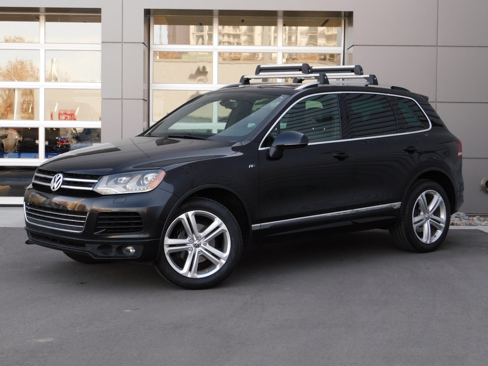 Pre-Owned 2014 Volkswagen Touareg WAGON 4 DOOR