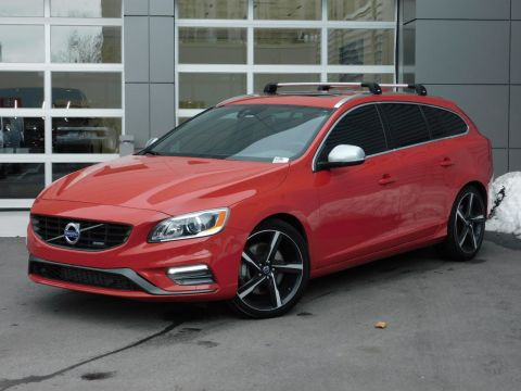 Pre-Owned 2015 Volvo V60 T6 R-Design Platinum